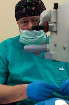 Zabieg operacyjny – lek. med. Piotr Jaworski